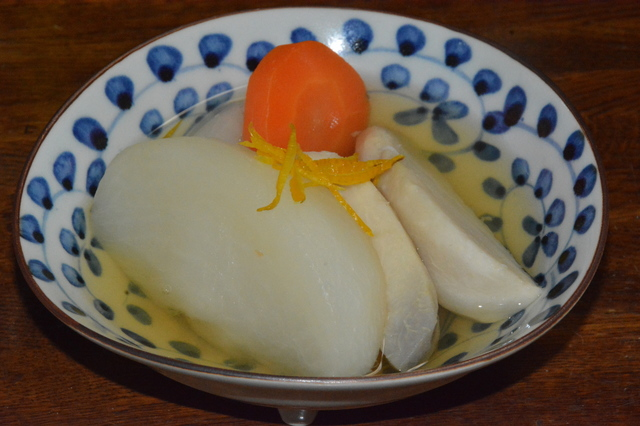 Boiled Ebi-imo and radish