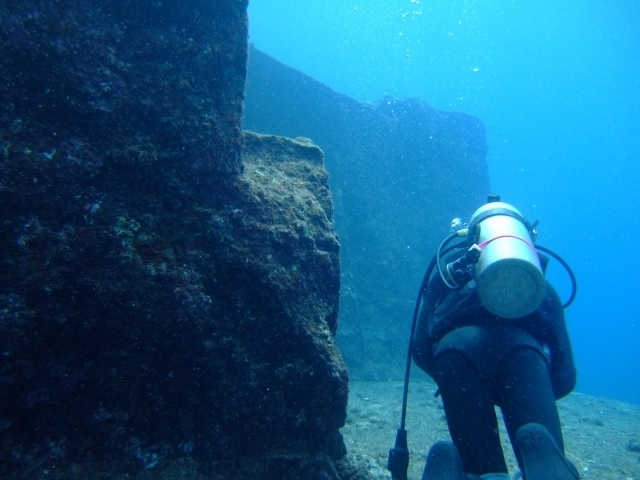 Submarine ruins at Yonaguni Island